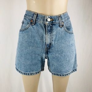 Vintage Levis High Rise Denim Bermuda Shorts Sz 8